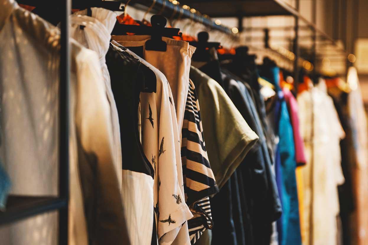 Gestire i rifornimenti e gli approvvigionamenti di merce di un negozio di abbigliamento
