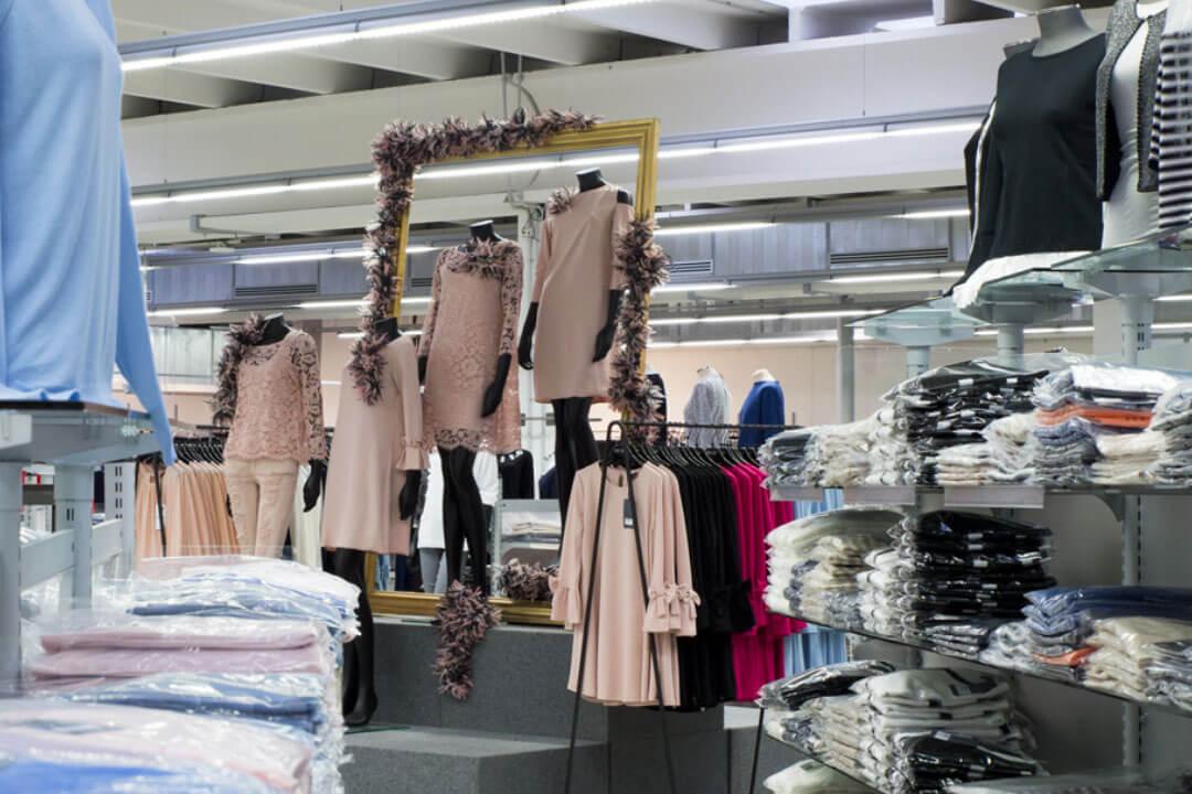 Dove acquistare la merce per un negozio di abbigliamento: l'importanza del fornitore